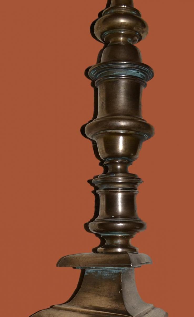 Bougeoir un Feu en Bronze, 57 cm de haut sur Pied Tripode du XVIIème-photo-2
