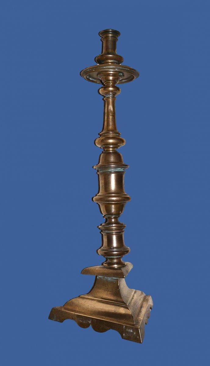 Bougeoir un Feu en Bronze, 57 cm de haut sur Pied Tripode du XVIIème