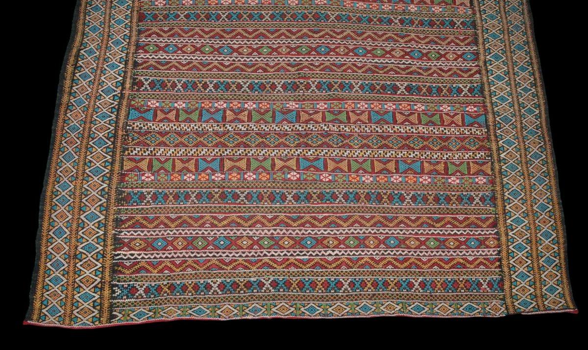Kilim , Hanbel brodé, Khemisset, Moyen Atlas, Maroc, 119 cm x 171 cm, Laine, Vers 1970-photo-4