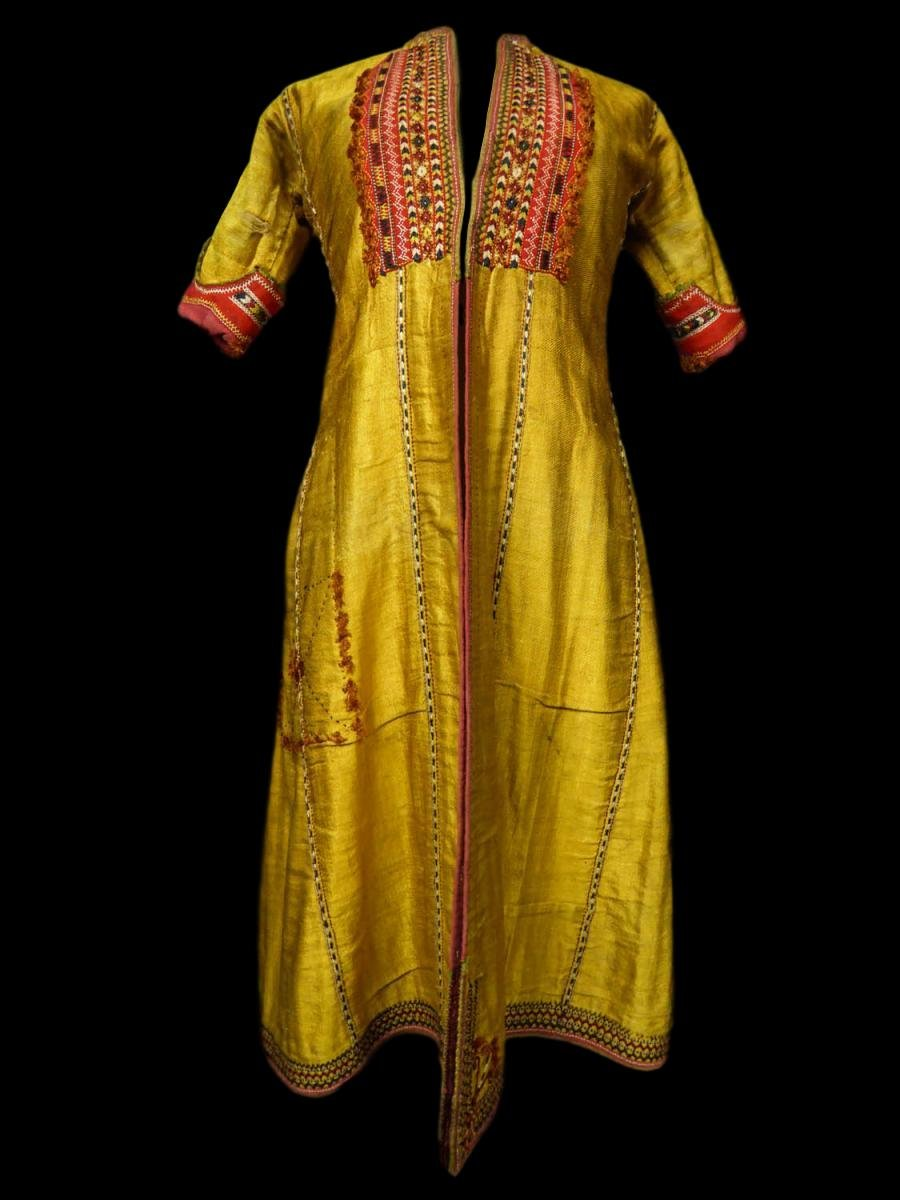 Coat, Kaftan Cut, Embroidered Gold Silk, Central Asia, End Of The 19th Century Or Beginning Of The 20th Century
