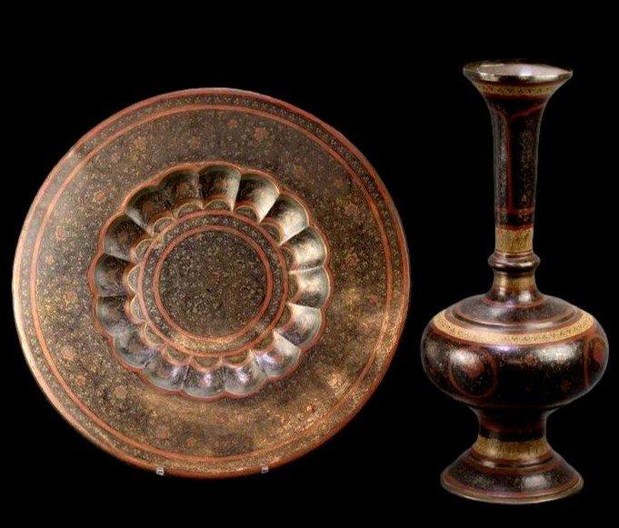 Important vase et plateau orientaux en cuivre émaillé, Indo-persan, 1900/1920, très bel état