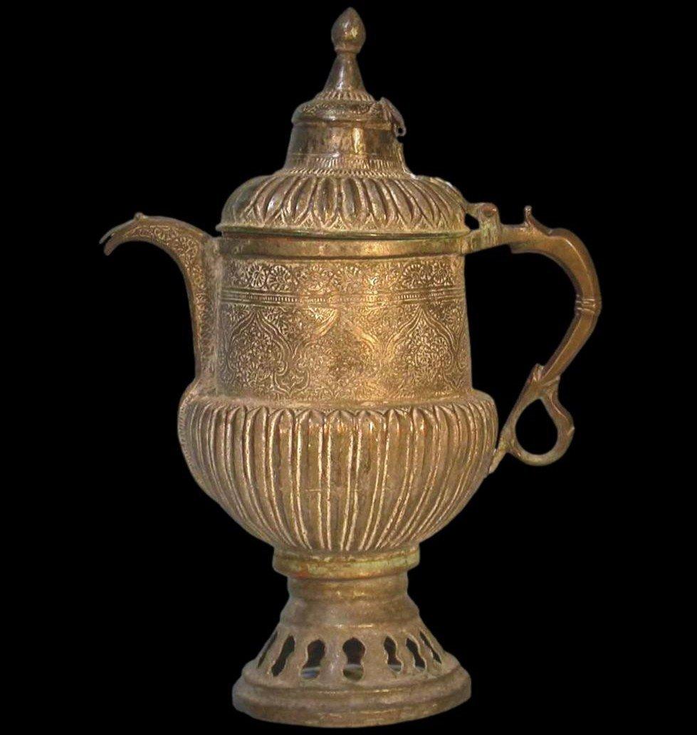 Théière-bouilloire, Perse, Asie centrale, cuivre au repoussé, XIXème siècle