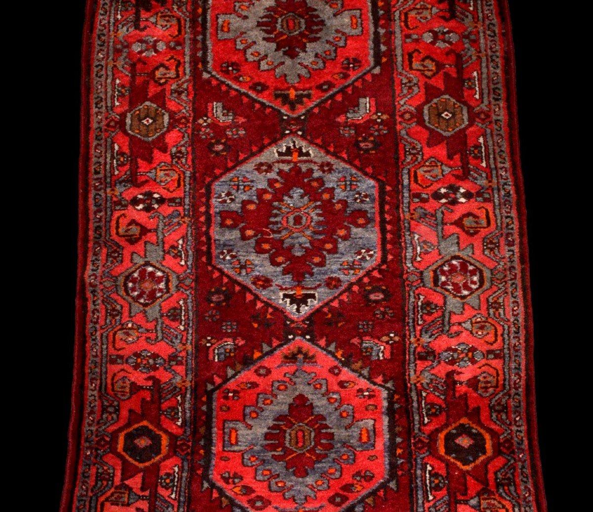 Tapis Persan Hamadan, Iran, 110 cm x 204 cm, laine nouée main vers 1970, parfait état-photo-1