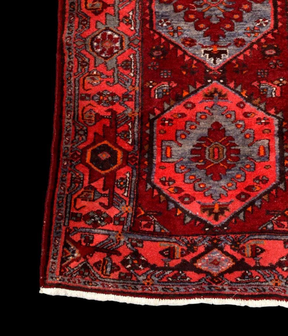Tapis Persan Hamadan, Iran, 110 cm x 204 cm, laine nouée main vers 1970, parfait état-photo-2