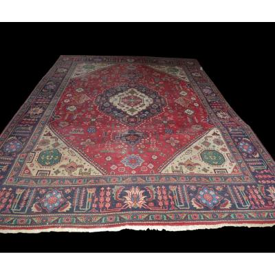 Persian Carpet, Heriz Region, 302 Cm X 400 Cm, Hand Knotted Wool, Circa 1980, In Good Condition