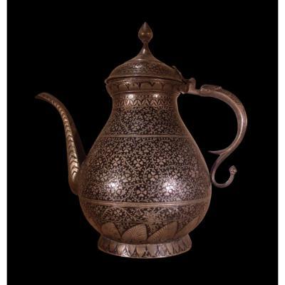 Théière en métal niellé, Inde, Cachemire, Fin du XIXème Siècle, très bel état