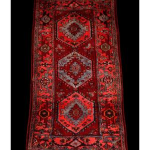 Tapis Persan Hamadan, Iran, 110 cm x 204 cm, laine nouée main vers 1970, parfait état