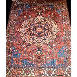Old Persian Bakhtiar Rug, 281 Cm X 378 Cm, Hand Knotted Before 1950 In Iran, Very Good Condition