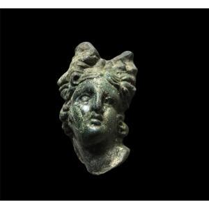 Buste Romain d'Une Déesse, Vers 100-300 Après Jc