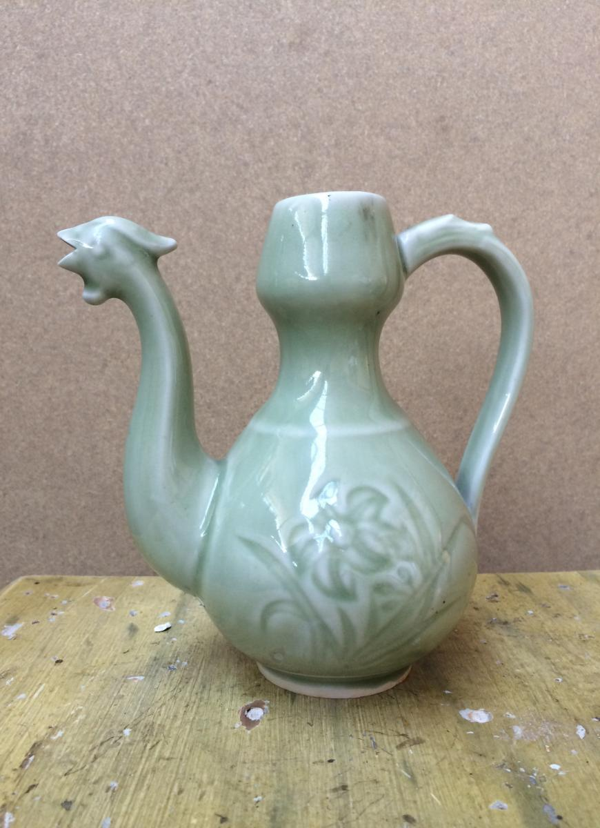 Verseuse en porcelaine, Extrême-Orient