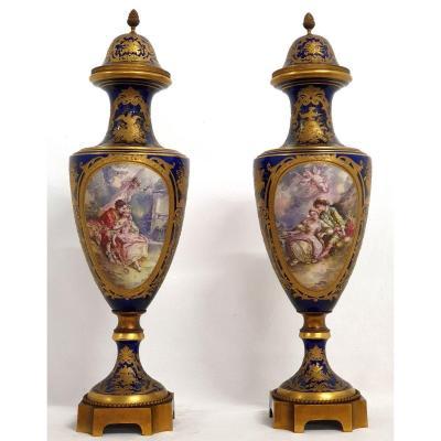 Paire De Vases Sevres 73 Cm Prcelaine Dore 19eme Siecle