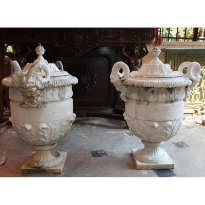 Société Du Val d'Osne Paire De Grands Vases Couverts