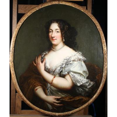 Ecole Française Fin Du XVIIème, Portrait De Jeune Femme Au Collier De Perles.