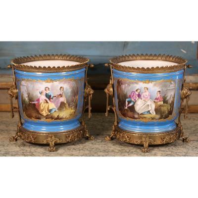 Porcelaine De Paris Vers 1860, Paire De Caches-pots.