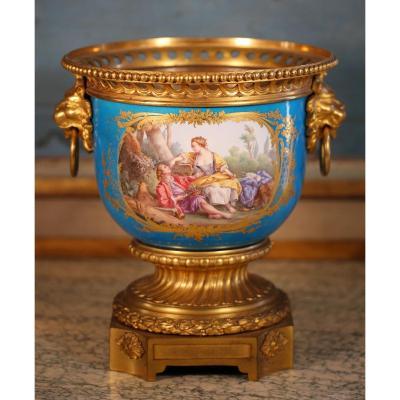 Grand Cache Pot Porcelaine De Paris époque Louis Philippe.