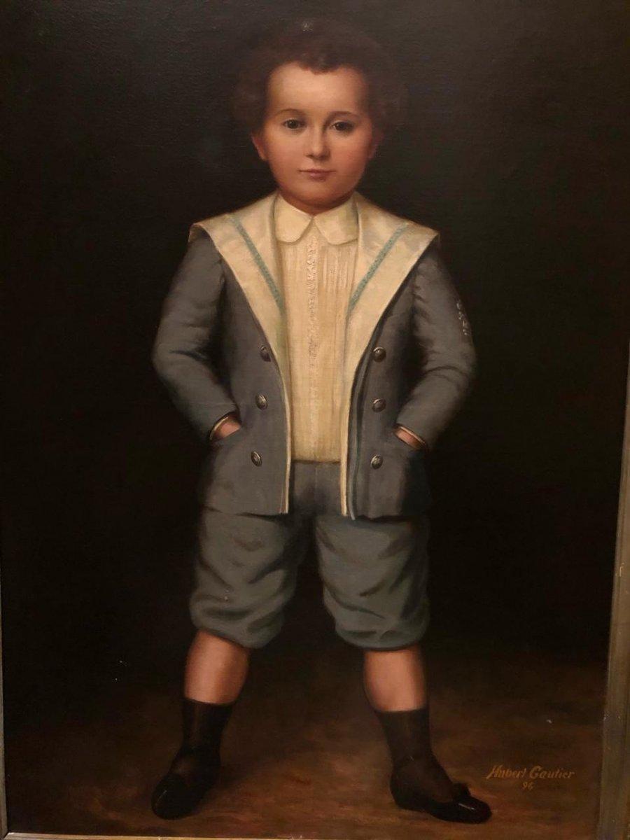 Portrait d'un petit garçon culotté