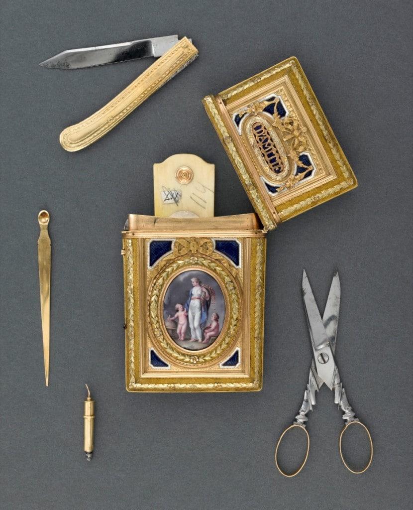 Nécessaire de poche, XVIIIème. © musée national de la Renaissance, château d'Ecouen, RMN-GP