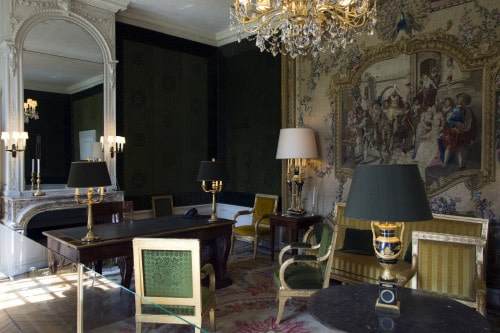 un pr sident chez le roi de gaulle trianon le magazine. Black Bedroom Furniture Sets. Home Design Ideas